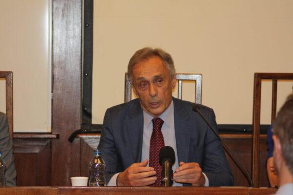 Миодраг Лекић на промоцији књиге Мој рат против рата